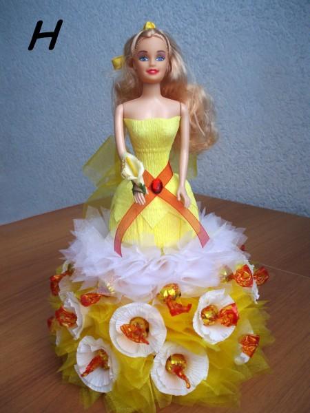 Кукла из конфет сделано своими руками